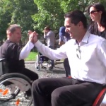 Ako známe osobnosti z TV surfovali po meste na vozíku